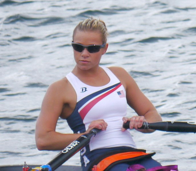 Oksana_Masters_mixed_sculls_final_2012_crop_cropped