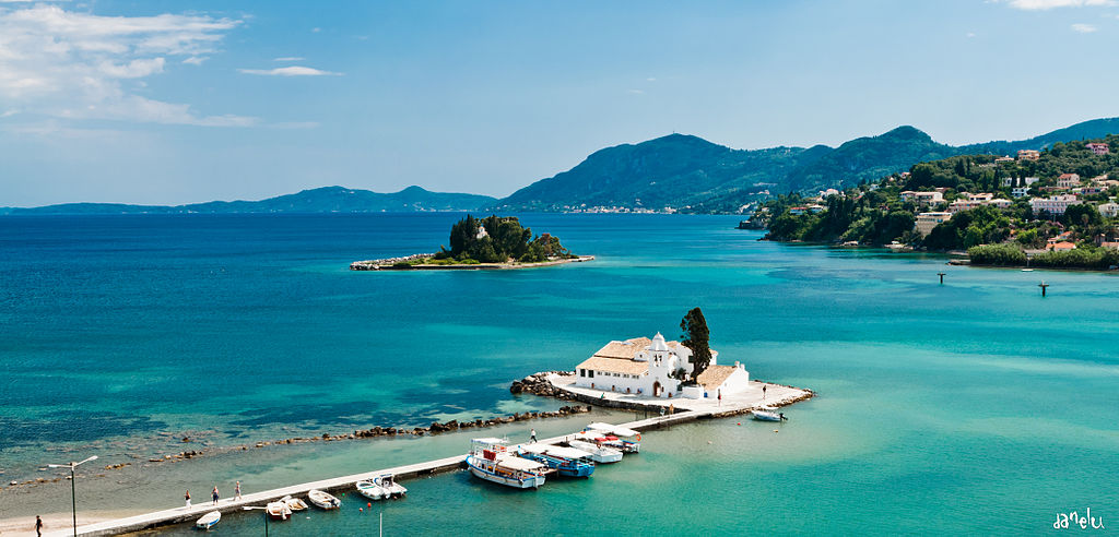Islet_of_Pontikonisi_and_Vlacherna_Monastery_-_Corfu_-_Ionian_Islands_-_Greece_-_27_May_2011.jpg