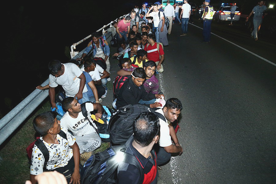 Migrants_in_Hungary_2015_Aug_003.jpg