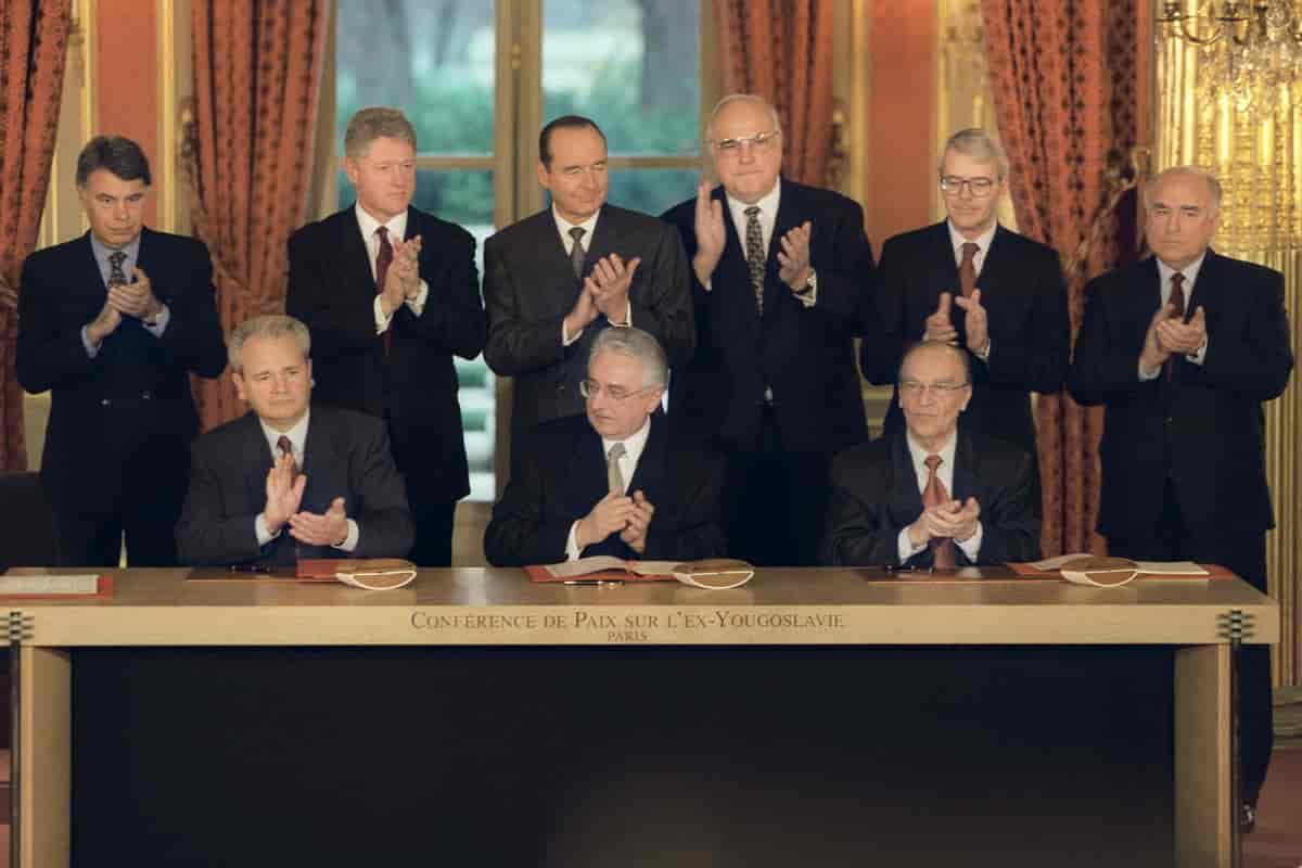 standard_compressed_Signing_the_Dayton_Agreement_Milosevic_Tudjman_Izetbegovic_1_.jpg