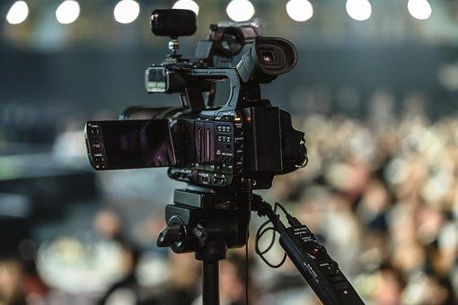 kamera-mediji-novinari-sloboda-informacije-pixabay.jpg