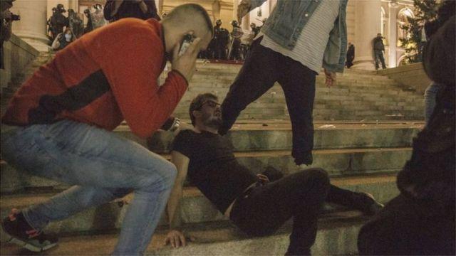_113308438__113284240_protestskupstina07072020007.jpg