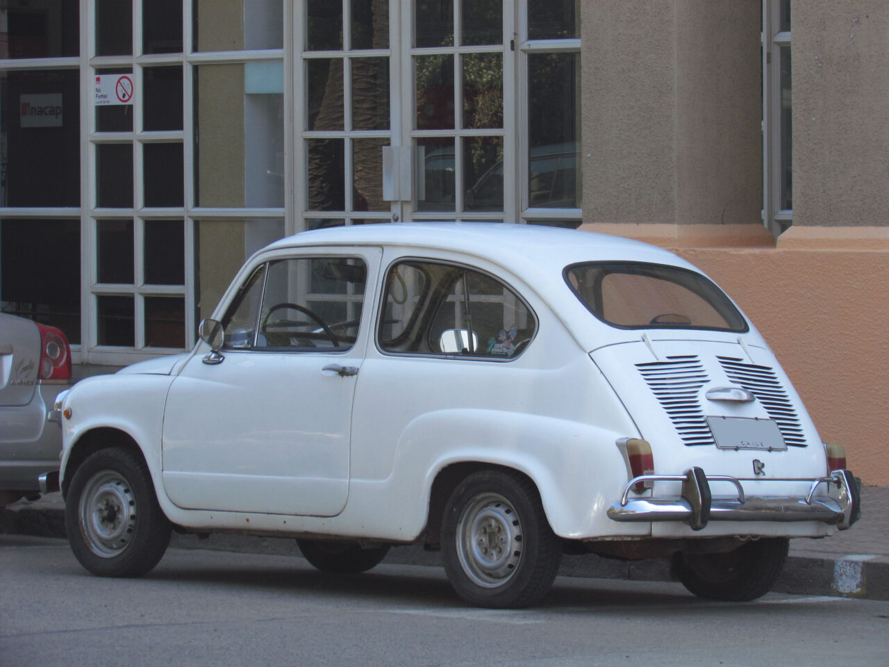 Fiat_600_1972_9683934274-1280x960.jpg