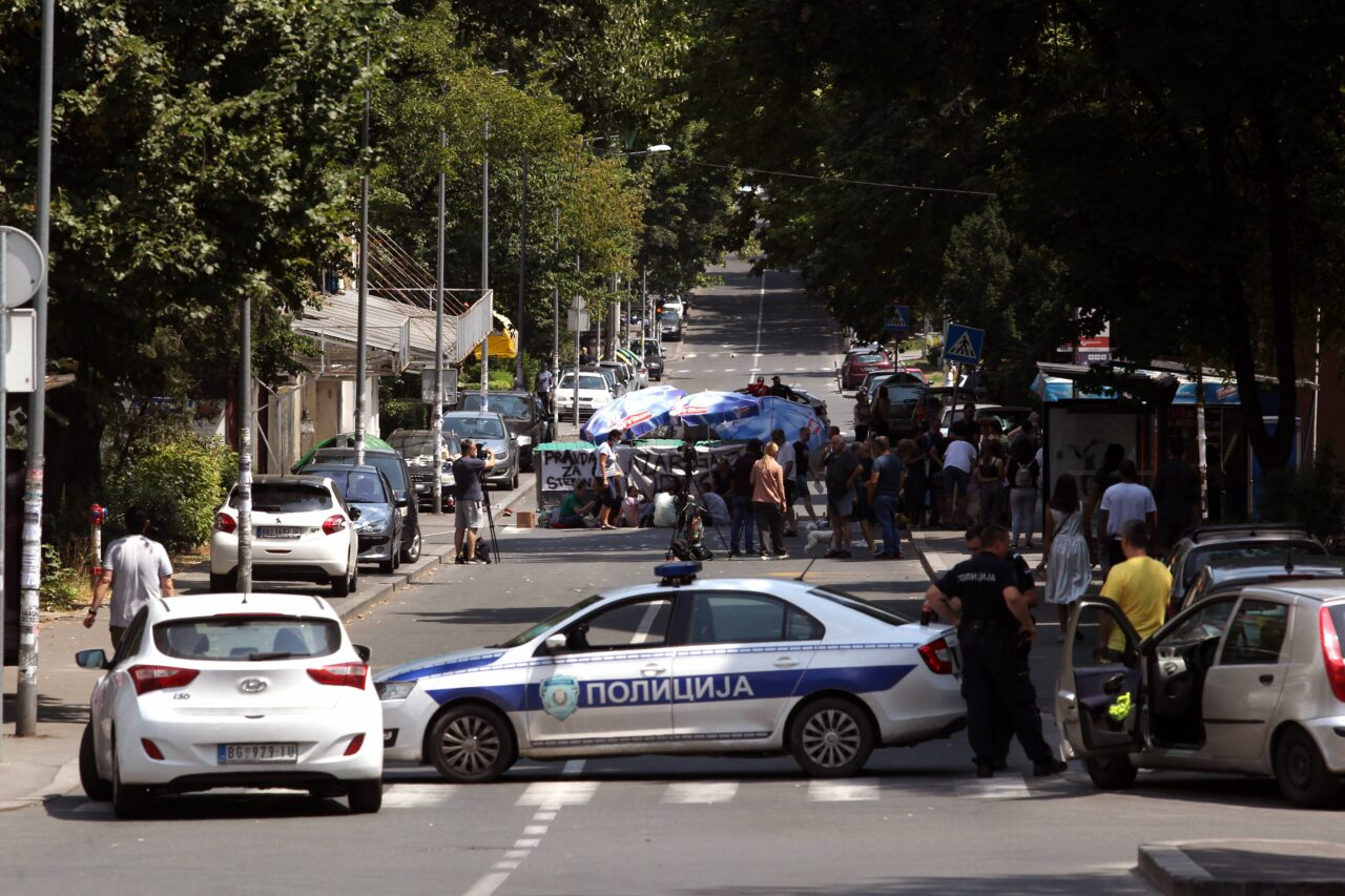 PROTEST GRADJANA ZBOG ODLUKE SUDA DA SE VOZAC BRANI SA SLOBODE