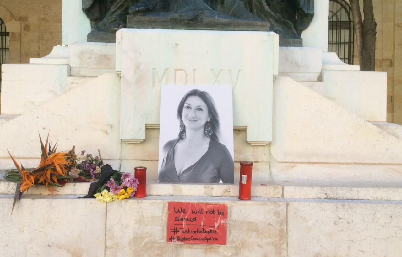 Great_Siege_Monument_and_temporal_Daphne_Caruana_Galizia_Monument_03